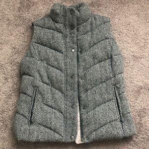 Gap tweed houndstooth puffer vest